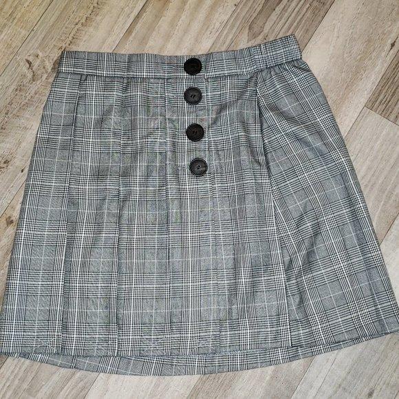Suzy Shier Grey Pleated Plaid/Tartan Skirt/Kilt